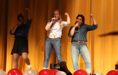 Teens turn up in talent show