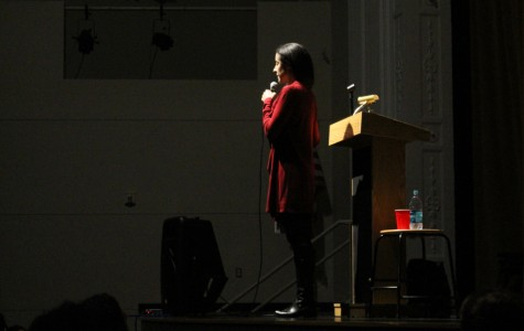 """Pulitizer Prize winning author Sheri Fink speaks to Cleveland students about her book, """"Five Days at Memorial"""" on Feb. 10, in the auditorium."""