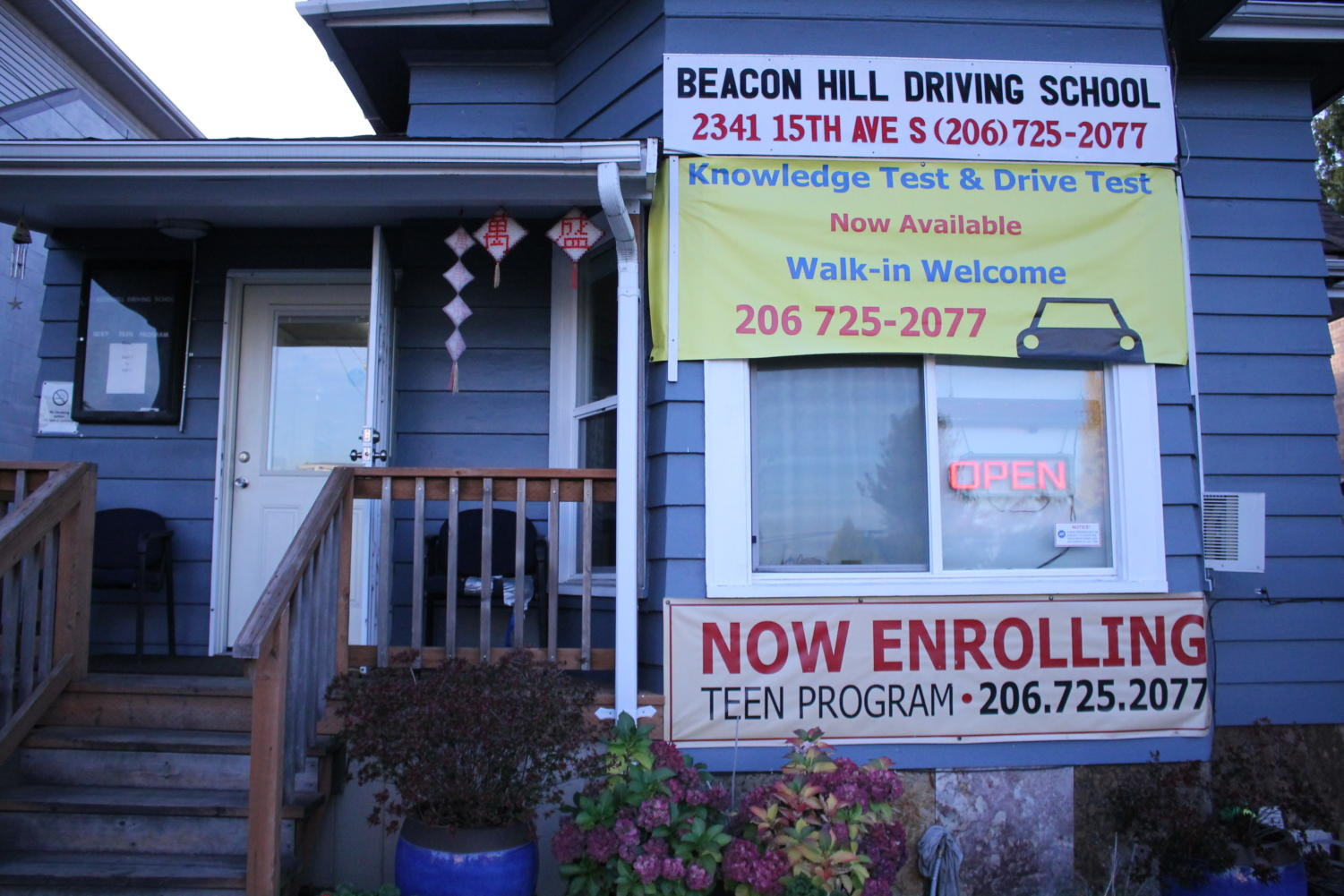 Beacon Hill Driving School offers parents peace of mind and students a chance to learn to drive without the pressure of parental eyes watching. Their teen driving program costs $480.