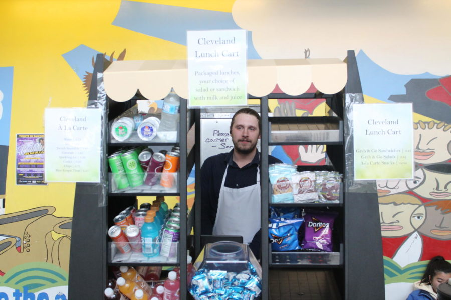 Bill+Casper+sells+food+from+the+new+lunch+cart+in+Building+1+on+April+27.+The+goal+is+to+provide+convenient+access+to+healthier+snack+options+to+students.
